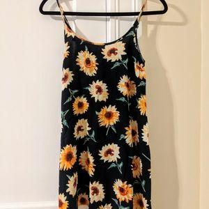 Kimchi Blue Dresses - Kimchi Blue ▪ UO 90s Styled Sunflower Shift Dress
